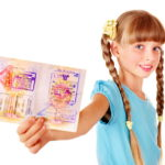 Нужно ли оформлять детям загранпаспорт в Украине для поездки за границу?