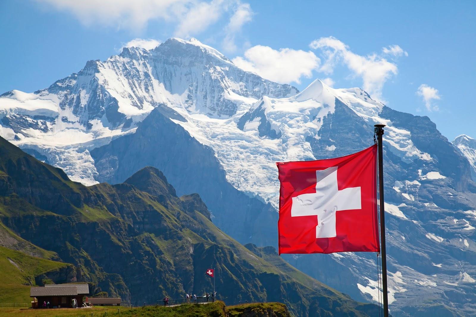 Как получить гражданство Швейцарии