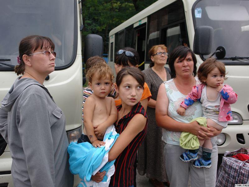 Как помочь вынужденным беженцам с Донбасса картинки