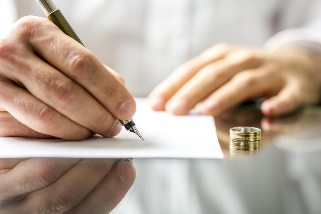 Кольцо и документ
